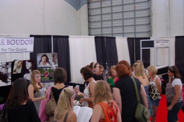 busy-bridal-show-booth-allure-boudoir